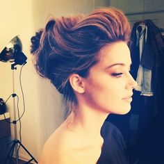 i'm obsessed with this updo