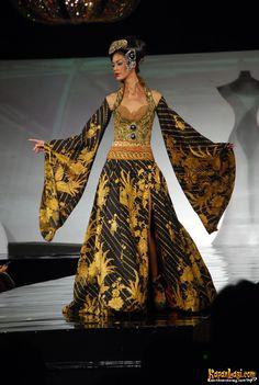 Wayang Golek Kebaya by Anne Avantie