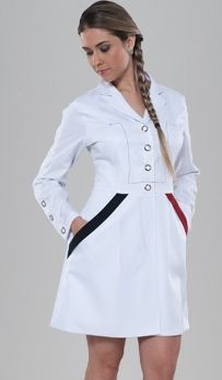 Jaleco Feminino Electra 3Tri - BioStilo. Uniformes com estilo e proteção Dentist Costume, Medical Uniforms, Medical Design, Medical Scrubs, Mode Chic, Dresses For Work, Classy, Couture, Womens Fashion