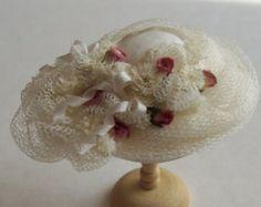 Échelle assez 1/12ème à la main de maison de poupée miniature soie hat