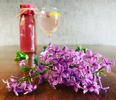 Lilac, Glass Vase, Food And Drink, Homemade, Table Decorations, Drinks, Home Decor, Challenge, Spring