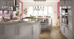 View our stunning range of Classic, Traditional and contempory Kitchen. Speak to one of our Design Consultants today. Kitchen Family Rooms, New Kitchen, Gloss Kitchen, Space Kitchen, Kitchen Magic, Green Kitchen, White Glossy Kitchen, Pastel Kitchen, Kitchen Trends