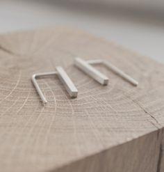 Delicate bar earrings // silver bar thread // minimalist by AgJc
