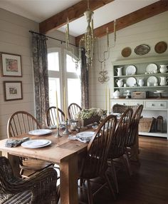 Cottage Dining Rooms, Dining Nook, Dining Room Design, Dining Decor, Dining Tables, Living Rooms, Farmhouse Interior, Farmhouse Style Decorating, Farmhouse Decor
