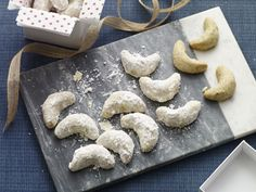 These Greek Christmas cookies are super buttery and tender-they melt in your mouth! The 2 most popular shapes are rounds and half-moons, I like to do some of each. Sometimes…