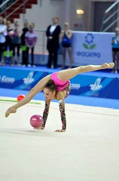 Awesome flexibility - Rhythmic Gymnastics