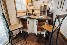 Lupine Tiny House with Amazing Kitchen - Built on Gooseneck Trailer This is a gooseneck tiny house with an amazing kitchen, zen bathroom, and it also has an outdoor shower built-in. It's the Lupine Tiny House on Wheels by Wind River Tiny Homes… Tiny House Builders, Tiny House Design, Tiny Houses For Sale, Tiny House On Wheels, Small Houses, Mini Wood Stove, Grand Kitchen, Tiny House Storage, Zen Bathroom