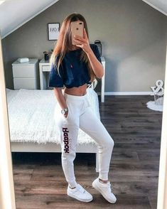 21 cute sporty outfits for school 25 housemoes Cu . - 21 cute sporty outfits for school 25 housemoes Cute lazy outfits for school Alb - Cute Sporty Outfits, Chill Outfits, Mode Outfits, Dance Outfits, Sport Outfits, Trendy Outfits, Summer Outfits, Cute Outfits With Leggings, White Leggings Outfit