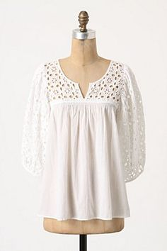 pretty and sweet anthropologie immense eyelet blouse I love white, eyelet and tunics!The perfect eyelet top.pretty anthro tunic for spring!i'm a huge sucker for eyelet. Mode Outfits, Fashion Outfits, Womens Fashion, Casual Chique, Blouse Outfit, Lace Tops, Pretty Outfits, Dress To Impress, Anthropologie