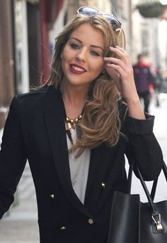 Lydia Bright's new brunette hairstyle! Brown hair really suits her!