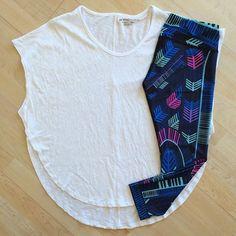 Weekend wear! scalloped tee ($66) and voyager print capri leggings ($128) #marahoffman #comfy #fitness #studiotostreet #workoutinstyle #weekendwear #saturday #activewear #currieswimandsport
