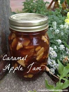 Is caramel apple jam or apple pie jam better? I did a taste test to find out. (Apple Recipes For Canning) Jelly Recipes, Jam Recipes, Apple Recipes, Canning Soup Recipes, Pressure Canning Recipes, Apple Pie Jam, Canning Apple Pie Filling, Canning Apples, Homemade Pickles