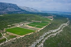 Domaine des Masques in Provence, France Impressice wine estate on a calcarious cliff landscape