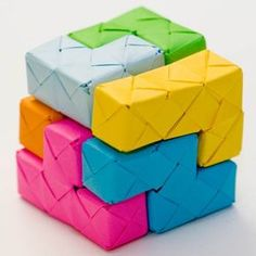 Tetris Origami Blocks--crafty, decorative, colorful, gimme some paper and let's go!