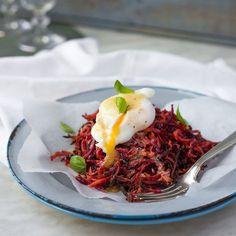 Crispy and healthy. Call it a rosti or a hash, I loves me a crispy potato product, especially at breakfast time. But it comes with more than a smidgen of guilt, so I decided to try teaming the potato with carrot and beetroot to readdress the nutrient balance, and it worked like a charm.