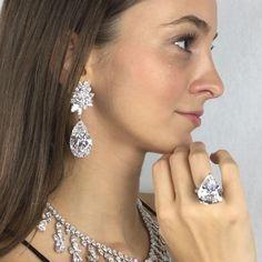 The extraordinary Miroir de L'amour diamond earrings by Boehmer et Bassenge 52.55 and 50.47 carats, both D Flawless. Diamond fringe necklace, by Harry Winston D colour diamonds. The Star of Sierra Leone VI by Harry Winston, 21.69 carats D VVS2 type IIa. Magnificent Jewels, Geneva 15 November. @christiesjewels @christiesinc #christiesjewels #christiesinc #christies #christies250 @boehmeretbassenge @harrywinston #diamond #earrings #necklace #ring #thefourseasonshotel #geneva #switzerland