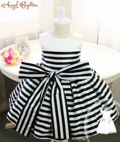 68.00$  Buy here - http://ali882.worldwells.pw/go.php?t=32691766295 - Newborn Girl Dress with Black and White Stripes Baby Tutu 1st Birthday Newborn Tutu Toddler Girl Dress Birthday Dress Baby