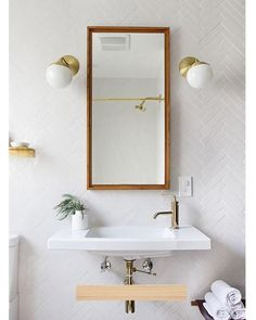 Get some modern bathroom inspiration from this round up of beautiful spaces that will help inspire your next makeover or renovation! Bad Inspiration, Bathroom Inspiration, Interior Inspiration, Bathroom Ideas, Bathroom Goals, Bathroom Makeovers, Remodel Bathroom, Shower Remodel, Bathroom Renovations