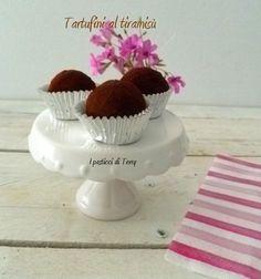 Un #dolcetto veloce #veloce per la #domenica lo vuoi? Questo si fa in 5 minuti http://www.ipasticciditerry.com/tartufini-al-tiramisu/