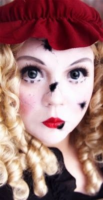 Great hair inspo! I don't really know how to do this yet though :(  broken doll. Halloween Doll Makeup