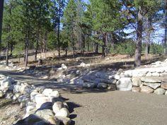 rock wall along driveway