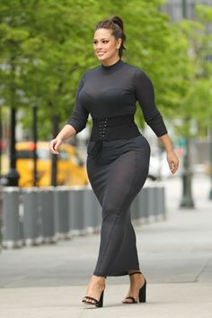 Latest Plus Size Fashion Trends For Curvy Women - Plus Size Fashion Trends Curvy Outfits, Plus Size Outfits, Cool Outfits, Fashion Outfits, Fashion Trends, Curvy Women Fashion, Plus Size Fashion, Celebrity Dresses, Celebrity Style