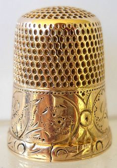 Marked Solid 14K Gold Thimble w/Floral Vignettes