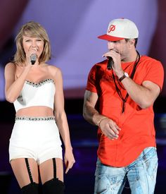 """Plenty of famous friends have joined Taylor Swift on stage throughout her 1989 tour, and during Sunday's show in Chicago, she sang a duet with country star Sam Hunt. Taylor and Sam performed his song """"Take Your Time,"""" and she later mentioned the moment in a cute Instagram snap."""