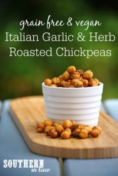 Crispy and Crunchy Italian Garlic and Herb Roasted Chickpeas Recipe - the perfect healthy alternative for chips, this snack is a clean eating recipe that is also gluten free, vegan, low fat, grain free, low carb, sugar free, plant based, forks over knives recipe, 21 day fix approved and so easy to make!