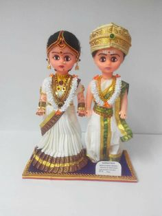 Couple from Karnataka Festival Decorations, Flower Decorations, Hobbies And Crafts, Arts And Crafts, Quilling Dolls, Wedding Doll, Indian Dolls, Traditional Indian Wedding, Waldorf Dolls