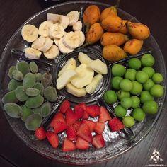 Fresh Lebanese fruits anyone? فاكهة لبنانية غير شكل, مين بدو؟  #Lebanon #WeAreLebanon