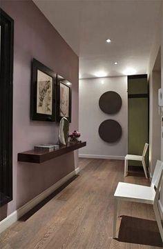 Hall d'entrée : 50 idées déco en image pour vous inspirer - Ctendance.fr Hallway Paint Colors, Room Colors, Wall Colors, Hallway Colour Schemes, Paint Colours, Pink Hallway, Stairs Colours, Hallway Walls, Upstairs Hallway