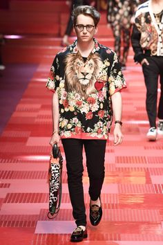 Dolce & Gabbana Spring 2018 Menswear Collection Photos - Vogue