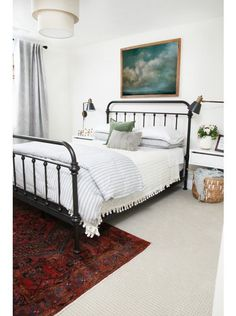 25 Cool Black Wrought Iron Bed Frame Designs Bedroom - Page 6 of 27 Guest Bedrooms, Home Decor Bedroom, Home, Home Bedroom, Iron Bed Frame, Black Iron Beds, Bedroom Furniture, Bedroom Inspirations, Wrought Iron Beds