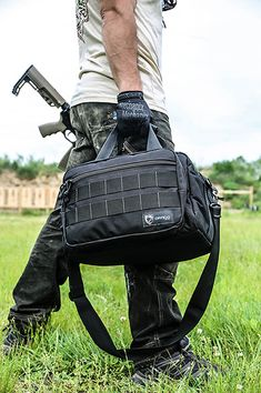 Range bag for carrying multiple pistols, ammo, and shooting accessories, Zip down front organizer, holds 6 magazines and hearing and eye protection. Jeep Seats, Range Bag, Shooting Accessories, Home Defense, Bug Out Bag, Diy Camping, Guns And Ammo, Everyday Carry, Tactical Gear