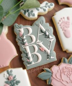 """Cheryl 👋 on Instagram: """"♡ B a b y ♡ . . . Well dangggggg you guys. Im offically obsessed with this baby plaque from @frosted_by_meagan! Its truly the most…"""" Cookies For Kids, Fancy Cookies, Vintage Cookies, Iced Cookies, Cut Out Cookies, Cute Cookies, Cupcake Cookies, Cupcakes, Baby Shower Sweets"""