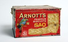 Arnott's Sao biscuit tin bearing the distinctive parrot symbol Vintage Tins, Vintage Purses, Arnotts Biscuits, Vintage Food Posters, Australian Vintage, Toffee Cookies, Tin Boxes, Vintage Recipes, Old Pictures