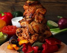 Giant Chicken Fajita Kebab 😍 Use in your uploads to enter our Cook Off this weekend - winner announced each Monday! Chicken Gyros, Chicken Kabobs, Chicken Fajitas, Baked Chicken, Chicken Recipes, Mexican Food Recipes, Whole Food Recipes, Cooking Recipes, Cooking Games