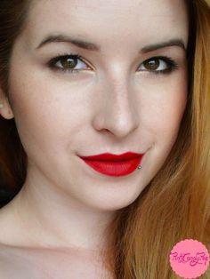 Red Velvet: Rimmel Kate Moss Lasting Finish Matte - #111 Kiss of Life