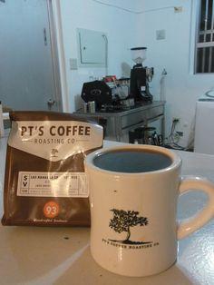 新しいコーヒーがアメリカから届きました★    エルサルバドル Cerro Las Renas   1700m ブルボン種    バニラのようなスイートスパイスやクッキーのような風味、  丸い口当たりで心地よい♪