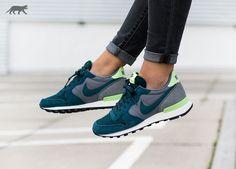 Nike wmns Internationalist (Mid Teal / Teal - Cool Grey - Ghost Green)