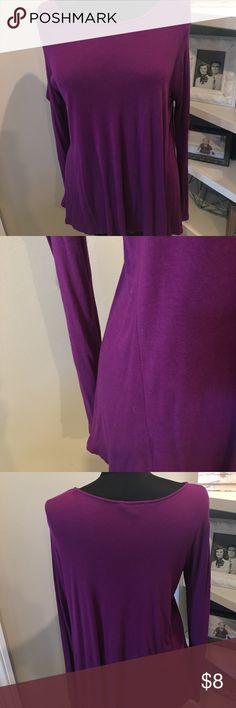 Magenta blouse. Magenta blouse. Hits at pocket. Daisy Fuentes Tops Blouses