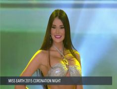 Un Close up en Traje de Baño, de Venezuela, Andrea Rosales la Noche Final del Miss Earth 2015.