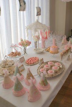 Mesa de #Primera #comunion para niñas en rosa y blanco