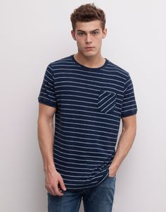 T-SHIRT ALL OVER RISCAS BOLSO - T-SHIRTS - HOMEM - PULL&BEAR Portugal
