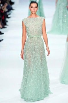 Elie Saab Spring Couture 2012 pastel gowns are pretty amazing. Making for the perfect unexpected wedding gown. Elie Saab Couture, Couture Mode, Style Couture, Couture Fashion, Fashion Show, Big Fashion, Fashion Design, Elie Saab Bridal, Evening Dresses
