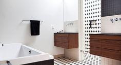 Badkamer, Winckelmans, notenhout- Vondelstraat | Diana van den Boomen & Kodde Architecten