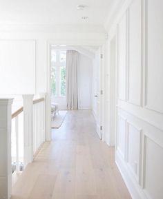 Wire brushed, UV Lacquer European White Oak Floor: Pravada Floors – Artistique Collection in Matisse.