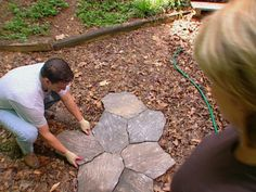 How to Plan a Step Stone Walkway : How-To : DIY Network
