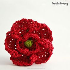 Crochet poppy flower brooch pattern DIY by VendulkaM on Etsy Unique Crochet, Love Crochet, Beautiful Crochet, Diy Crochet, Crochet Crafts, Crochet Projects, Beautiful Flowers, Crochet Puff Flower, Knitted Flowers